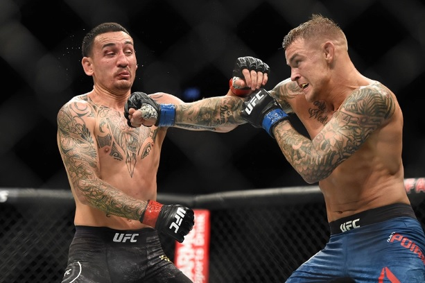dustin poirier gagne sa guerre contre max holloway. Black Bedroom Furniture Sets. Home Design Ideas